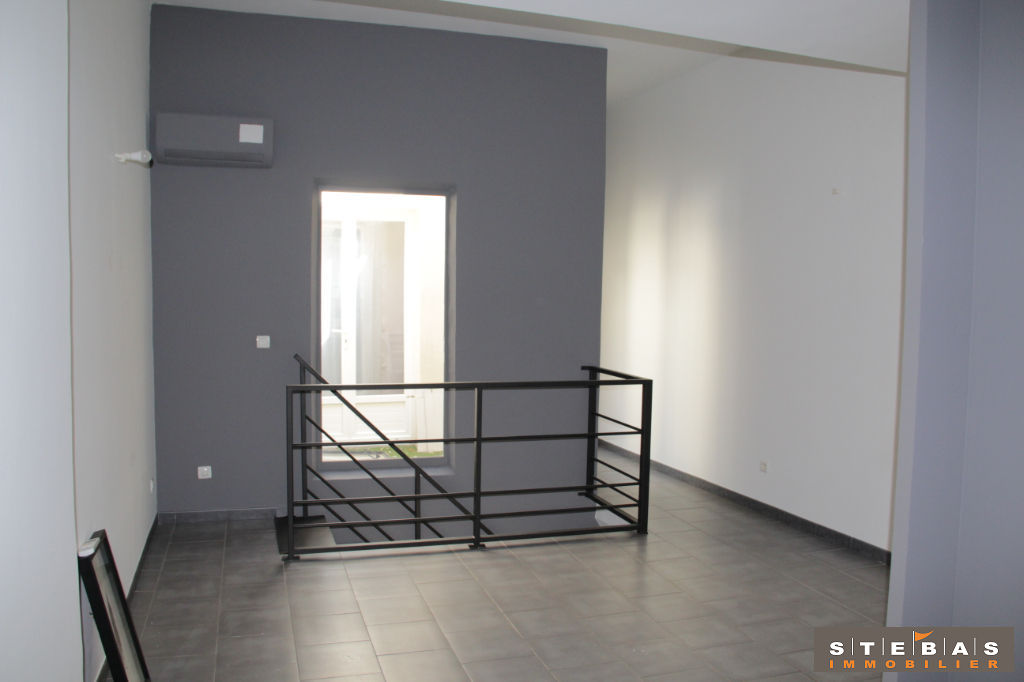 A VENDRE- CARPENTRAS - Appartement type loft 1/9